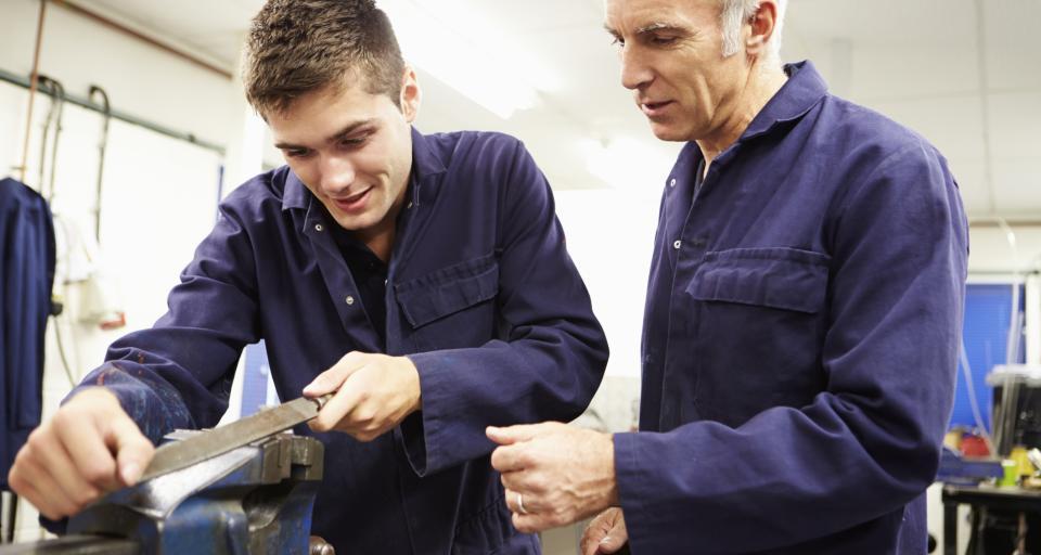 MRPiPS: Najpopularniejszą formą aktywizacji młodych bezrobotnych są staże
