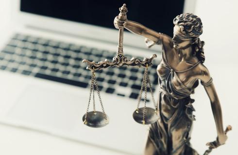 Nowe technologie weszły na światowe sale sądowe - COVID-19 ma w tym swoje zasługi