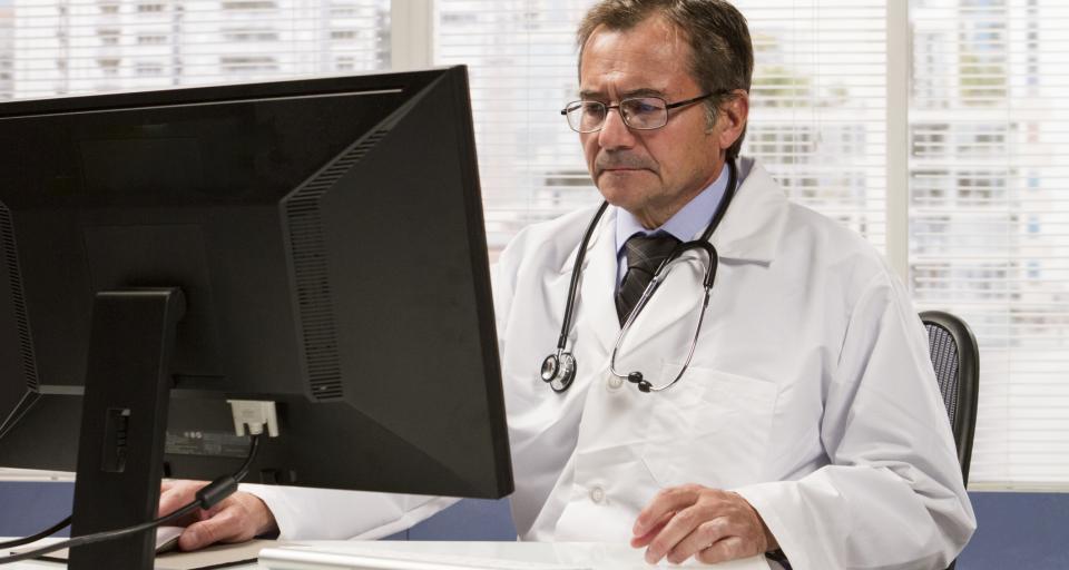 Zdalne leczenie pacjenta może lekarza słono kosztować
