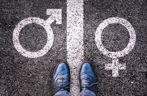 Sąd: Tożsamość płciowa to zakazana przesłanka dyskryminacji