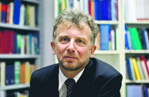 Prof. Kamiński: Sędzia Morawiec może skarżyć się do Strasburga, ale nie należy za wiele oczekiwać