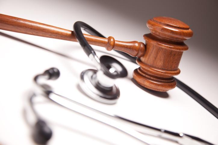 Rząd zapowiada prawo chroniące medyków walczących z pandemią
