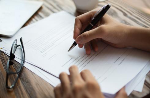 Formularze bez imion rodziców utrudnią egzekucję w administracji