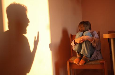 SN: Zakaz zbliżania się do syna wyłącza kontakty rodzicielskie