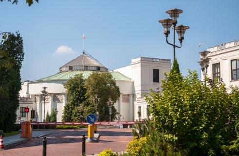 Sejm za wakacjami w umowie najmu