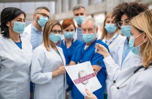 Ustawa zmieniona - izby lekarskie przygotowują listy do delegowania do walki z pandemią