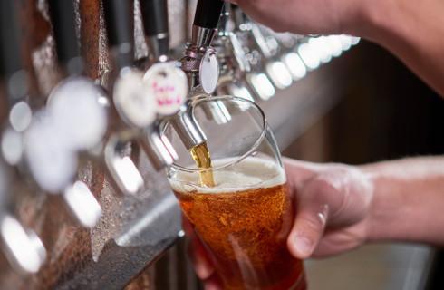 Z opłat za zezwolenia na alkohol gmina może kupić laptopy do zdalnego nauczania