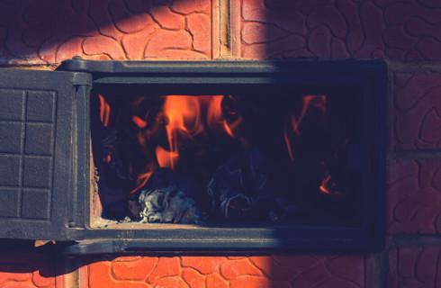 """""""Czyste powietrze"""" wciąż płynie powoli, wkrótce wsparcie dla domów wielorodzinnych"""