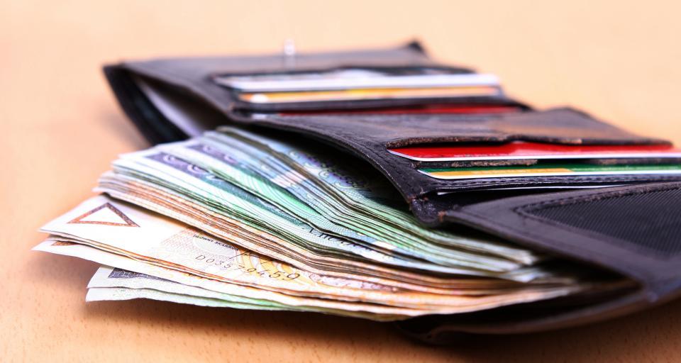 Pensje w administracji zamrożone, ale nie dla podsekretarzy stanu?