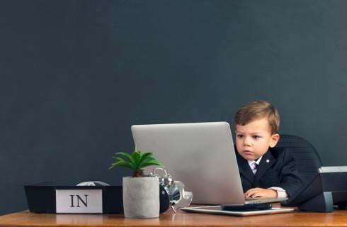 Najmłodsi uczniowie nie radzą sobie w zdalnej nauce, rozwiązań brakuje