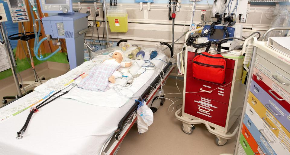 NFZ wprowadza etapowe finansowanie gotowości szpitali tymczasowych