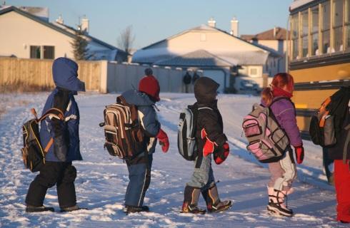 Rząd zmienia decyzję - dzieci w ferie będą mogły wychodzić na dwór
