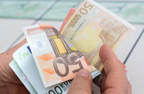Zmiana umowy może pomóc po wycofaniu wydłużenia terminu na realizację projektów unijnych