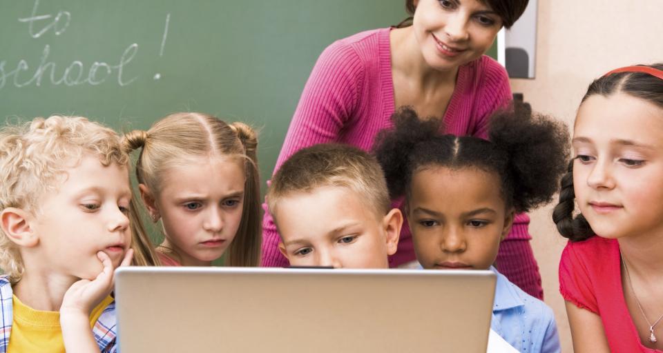 Polska szkoła to skansen, o zawodach przyszłości uczeń może pomarzyć