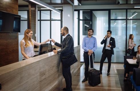 Bunt hotelarzy: W poniedziałek część hoteli znowu się otworzy