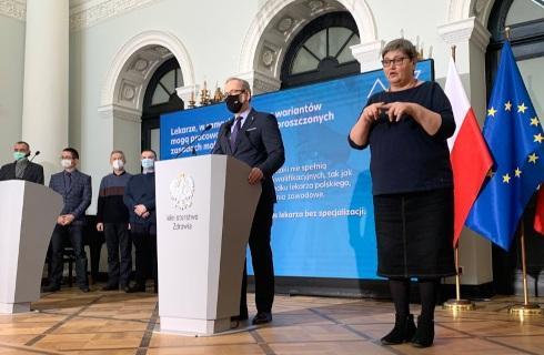 wręczenia pozwoleń na pracę medykom z Białorusi i Ukrainy