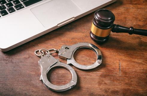 Sąd w Poznaniu uznał zatrzymanie Giertycha za niezasadne i nielegalne