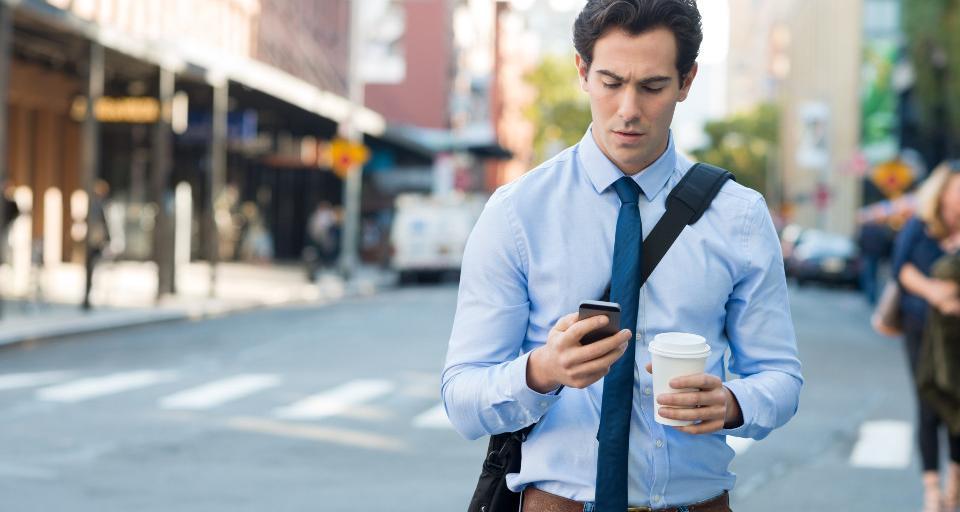 Po zmianie prawa chowamy telefon na ulicy, włączamy myślenie