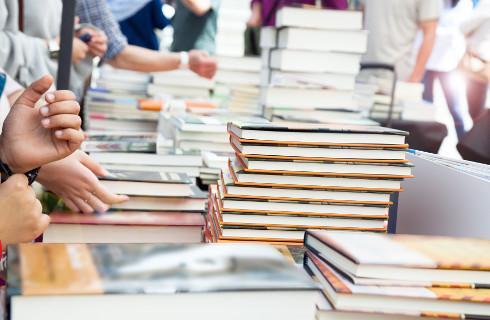 MEN przeanalizuje, czy niektóre podręczniki powinny zostać dopuszczone do użytku szkolnego