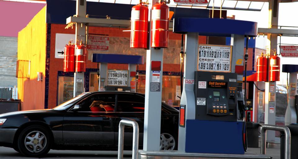 MF z dnia na dzień unieważnił interpretacje o rozliczaniu VAT od paliwa