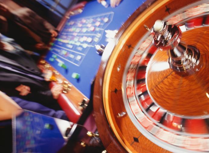 W kasynach można grać, ale bez konsumpcji na miejscu