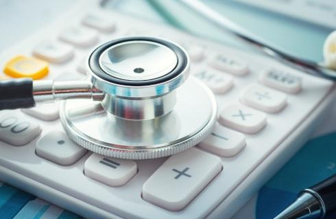 MZ: Najniższe podwyżki dla lekarzy, najwyższe dla fizjoterapeutów i pielęgniarek