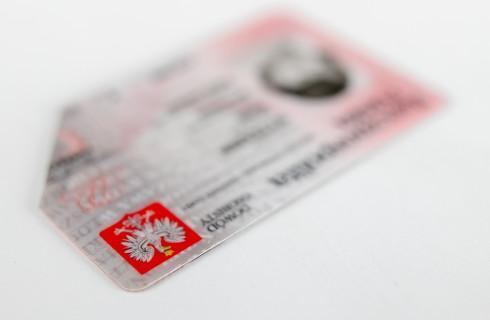 RPO: Będą zmiany w paszportach, to załatwcie sprawę dokumentów dla dzieci z zagranicznych związków osób jednej płci