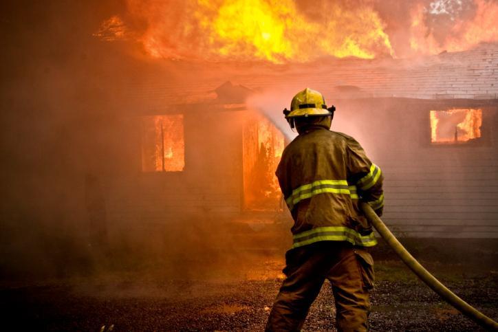 SN: Niepoczytalny sprawca podpalenia biura poselskiego leczy się na wolności