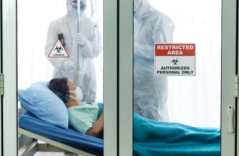Trzecia fala pandemii rozpędza się, rząd uruchamia szpitale tymczasowe