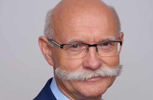 Gujski: SN uznaje kontrakty menedżerskie, ale oczekuje dobrych umów