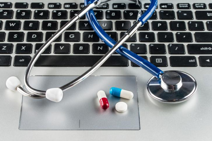 Rząd zablokował Profil Zaufany oraz portal dla lekarzy i pacjentów, bo szczepi osoby 40 plus