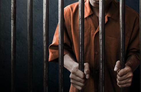 Dwa razy więcej tymczasowo aresztowanych za rządów PiS
