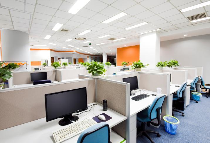 Badanie: Hybrydowe formy zatrudnienia mogą zastąpić pracę zdalną