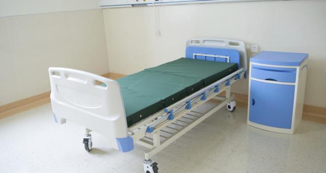 Szpitale już zamykają oddziały, bo brakuje lekarzy